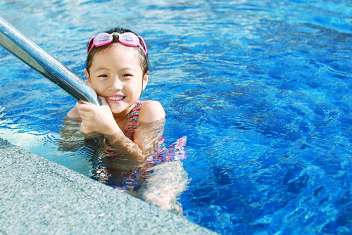 how to teach your child to swim at home