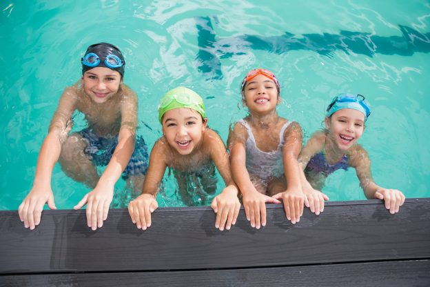 Benefits of Swimming Lessons Throughout Winter